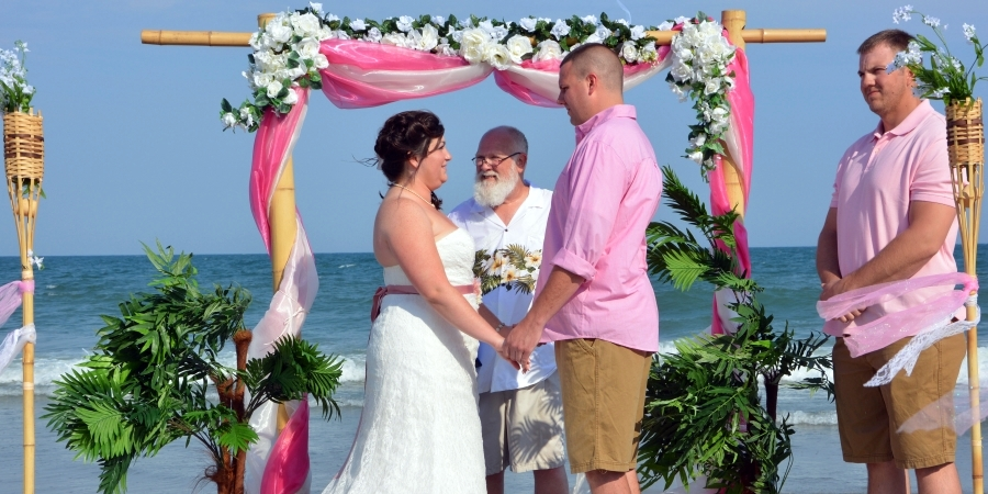 This couple loves Myrtle Beach weddings by Hitched at the Beach