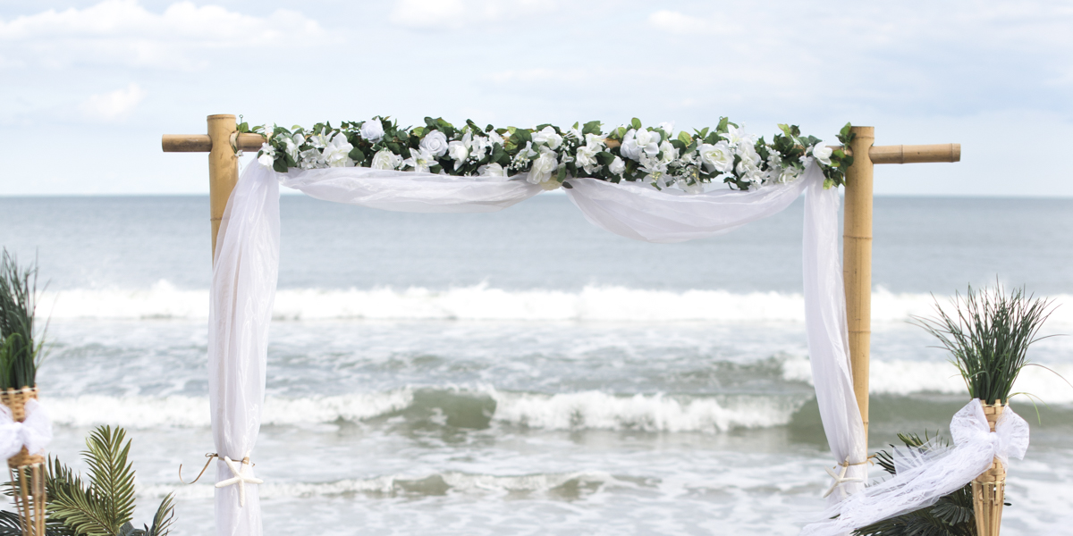 myrtle beach weddings by hitched at the beach offering affordable wedding packages 910 398 4135